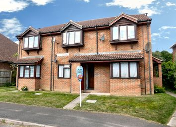 Thumbnail Maisonette to rent in Francis Court, Farnborough