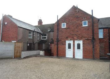 Thumbnail 1 bed flat to rent in Lowmoor Road, Kirkby-In-Ashfield, Nottingham