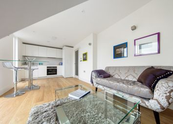 Thumbnail 2 bed flat to rent in Cavendish Road, Clapham, London