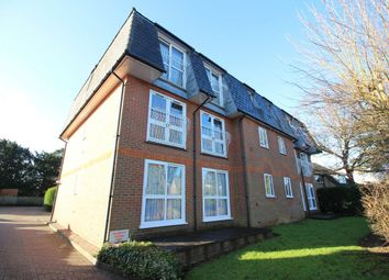 Thumbnail 2 bed flat to rent in Sparrows Herne, Bushey