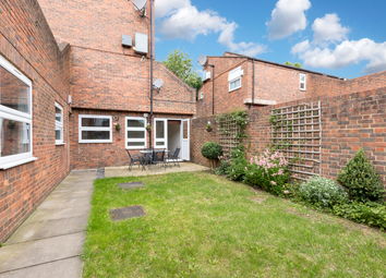 2 bed maisonette for sale in Grove Close, Forest Hill, London SE23
