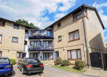 Thumbnail 2 bed flat to rent in Shapland Way, Palmers Green, London