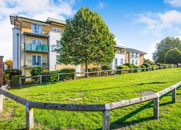 Thumbnail 2 bedroom flat for sale in Franklin Avenue, Watford