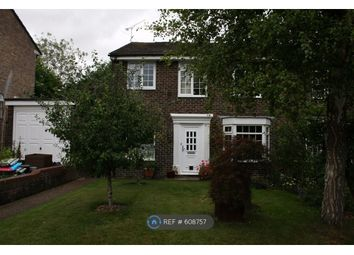 Thumbnail 2 bed flat to rent in Green Park Close, Winchester