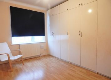 Thumbnail Room to rent in Colwood Gardens, Colliers Wood, London