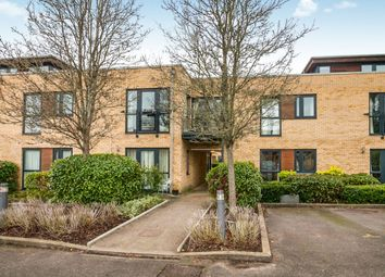 2 bed flat to rent in The Belvederes, Hornbeam Road, Reigate RH2