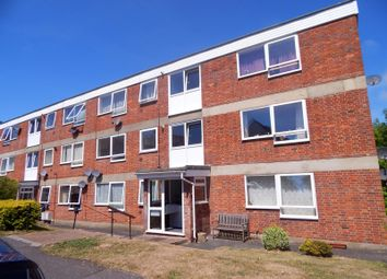 Thumbnail 2 bed flat to rent in Kings Avenue, Eastbourne