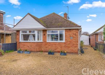 2 bed bungalow for sale in Sunnycroft Close, Bishops Cleeve, Cheltenham GL52