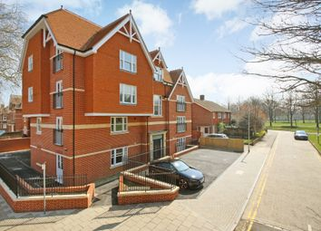 2 bed flat to rent in Queens Avenue, Canterbury CT2