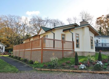 Thumbnail 2 bed detached bungalow for sale in Burnham Green Road, Welwyn