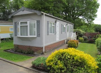 Thumbnail 1 bed mobile/park home for sale in Newlands Park (Ref 5305), Bedmond, Abbots Langley, Hertfordshire