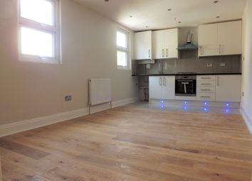 Thumbnail 3 bedroom flat to rent in Kidderminster Road, Croydon