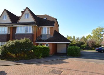 5 bed detached house to rent in Lower Green Gardens, Worcester Park KT4