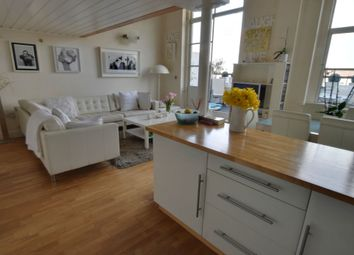 Thumbnail 3 bed flat for sale in Queen Street, Hitchin, Hertfordshire
