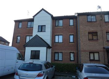 Thumbnail 2 bed flat to rent in Plowman Close, London