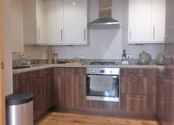 Thumbnail 5 bed flat to rent in Morden Road, London