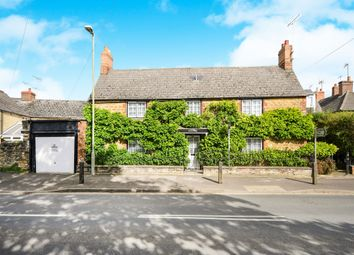 Thumbnail 3 bed property for sale in Lechlade Road, Faringdon