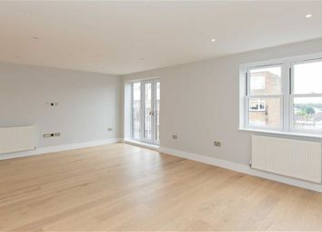 Thumbnail 2 bed flat to rent in The Mount, Brentwood, Essex