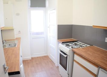 Thumbnail 4 bed flat to rent in Granville Place, High Road, North Finchley, London