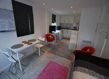 1 bed flat to rent in Packmores Road, Eltham, London SE9