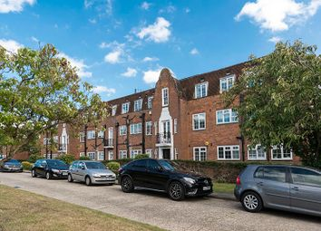 Thumbnail 3 bed flat for sale in Belmont Close, Barnet
