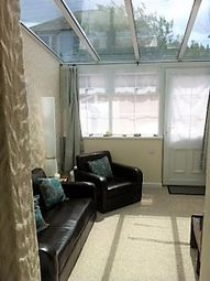 Thumbnail 1 bed flat to rent in Queensway, Hayle
