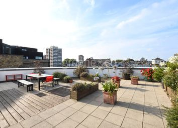 Thumbnail 1 bed flat for sale in Garden Walk, Shoreditch