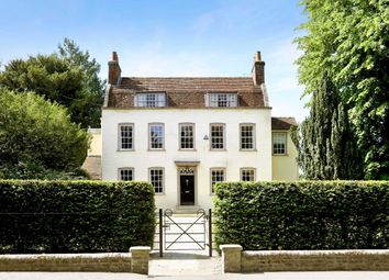 London Road, Aston Clinton, Aylesbury, Buckinghamshire HP22. 6 bed detached house