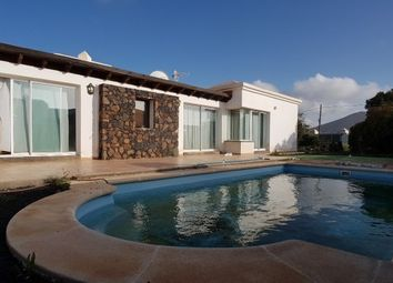 Thumbnail 3 bed villa for sale in Spain, Fuerteventura, La Oliva
