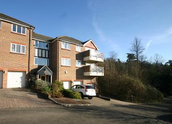 Thumbnail 2 bed flat to rent in Southview Road, Warlingham