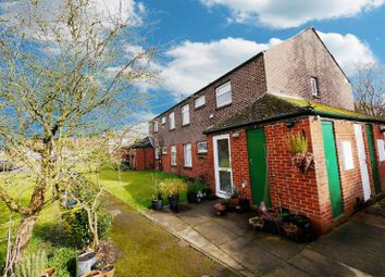 Thumbnail 2 bedroom flat for sale in Retreat Gardens, Crowmarsh Gifford, Wallingford