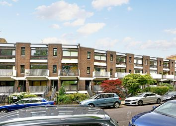 Thumbnail 1 bed flat to rent in Gore Road, London