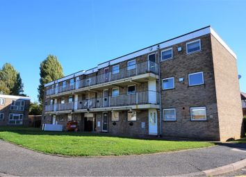 Thumbnail 1 bed flat to rent in Hamilton Drive, Romford
