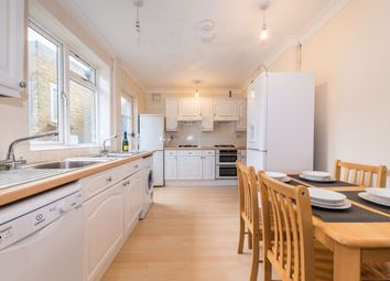 2 bed property to rent in Warwick Road, Canterbury CT1
