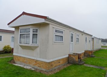 Thumbnail 2 bedroom mobile/park home for sale in St Osyth Road, Little Clacton