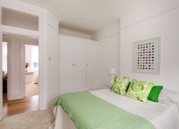 Thumbnail 3 bed flat for sale in Alwyne Road, Wimbledon