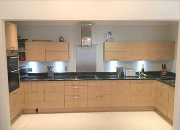 19 Buller House, Exeter, Devon EX2. 3 bed flat for sale