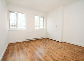 Thumbnail 5 bed flat to rent in Green Lanes, Palmers Green