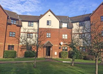 Thumbnail 1 bedroom flat for sale in Hillwood Grove, Wickford, Essex
