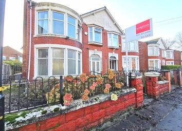 3 bed semi-detached house to rent in Kings Road, Manchester M16