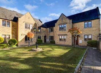 Thumbnail 2 bed flat for sale in Seymour Gate, Chipping Campden