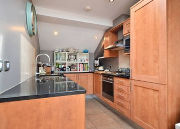 Thumbnail 2 bed flat to rent in Balham Grove, Balham
