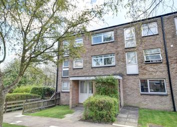 Thumbnail 1 bed property to rent in Friarswood, Pixton Way, Croydon