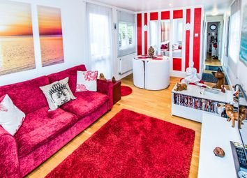 Thumbnail 1 bed mobile/park home for sale in Cheveley Park, Grantham