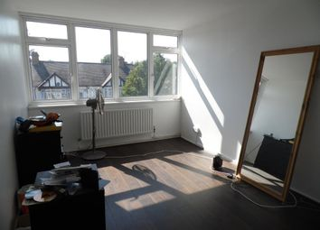Thumbnail 1 bedroom maisonette to rent in Pembury Road, London