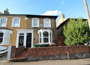 Thumbnail 2 bedroom flat to rent in Barclay Road, London
