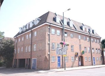 1 bed flat to rent in High Street, Hampton Wick, Kingston Upon Thames KT1