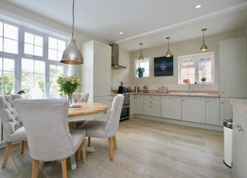 Thumbnail 3 bed flat for sale in Rigden Road, Hove, East Sussex
