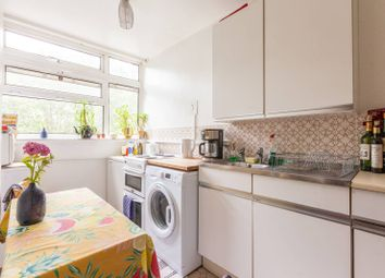 3 bed maisonette to rent in Bow Road, Bow, London E33Ar E3