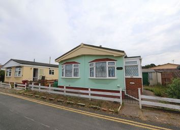 Thumbnail 2 bed mobile/park home for sale in Fourth Avenue, Parklands Mobile Homes, Scunthorpe, Lincolnshire